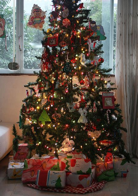 traditional christmas decorations in spain traditional tree decorations billingsblessingbags org