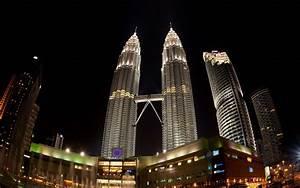 Petronas Towers Night Wallpaper