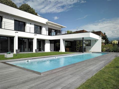 un couloir de nage 233 troitement imbriqu 233 dans une maison d architecte maisonapart