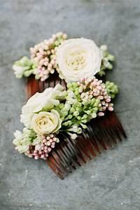 Couronne Fleur Cheveux Mariage : couronnes de fleurs coiffures save the date pinterest couronne de fleurs coiffure ~ Melissatoandfro.com Idées de Décoration