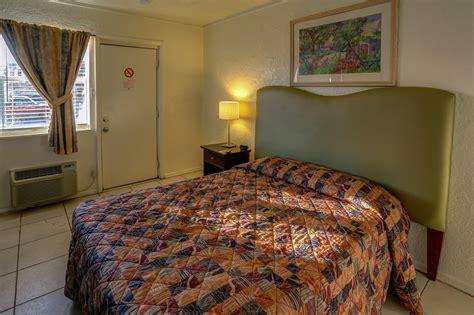 chambre d hotel au mois chambre régulière richard 39 s hotel