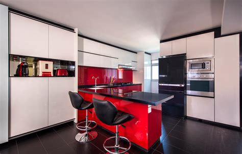 ways  inject bold colours   kitchen home