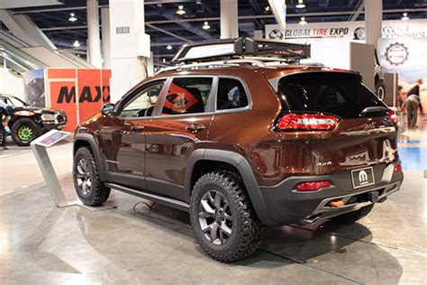 copper jeep cherokee wrangler copper crawler leads jeep 39 s charge at sema jk forum