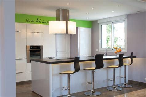 vente de hotte de cuisine où placer la hotte cuisines et bains