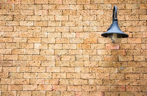l on red brick wall texture background