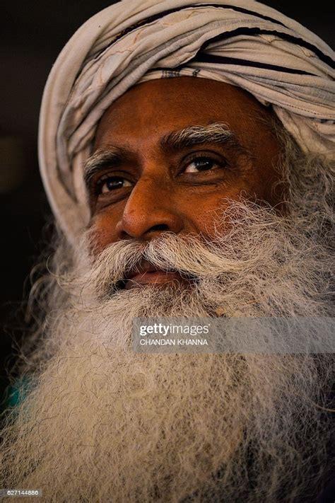indian spiritual leader sadhguru jaggi vasudev