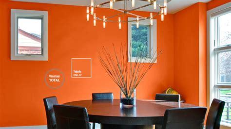 decoracion de espacios  colores naranjas comex