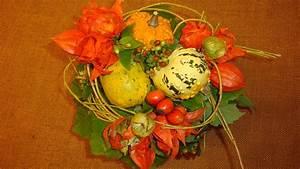 Herbstgestecke Selber Machen : herbstdeko basteln mit naturmaterialien blumenstrau mit zierk rbisse flora ~ Frokenaadalensverden.com Haus und Dekorationen
