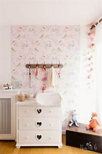 les 25 meilleures idees de la categorie motifs d39oiseaux With affiche chambre bébé avec basket broderie fleurs