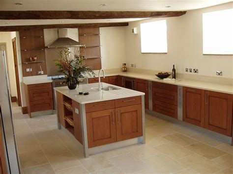 Laminate Flooring Kitchen   Feel The Home