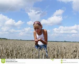 Girl In Field Royalty Free Stock Photography - Image: 1101487