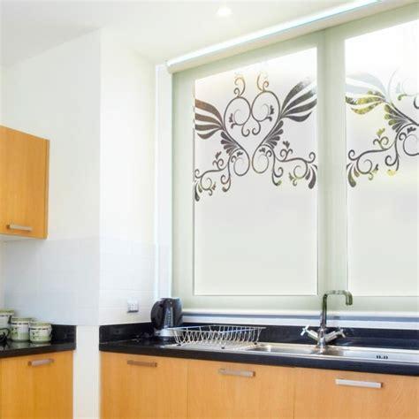 stickers fenetre cuisine stickers pour vitres pour décorer et pour préserver votre