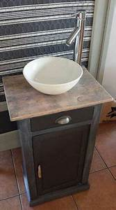 Lave Main Retro : r aliser un meuble lave main partir d 39 un chevet ~ Edinachiropracticcenter.com Idées de Décoration