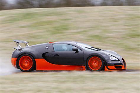La marque de molsheim l'expose sur son stand en compagnie de la première produite, en 2005, l'exemplaire n°1. Bugatti Veyron La Finale special edition unveiled   Autocar
