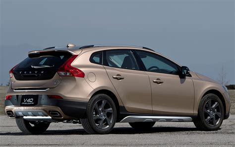 Volvo V40 Cross Country Backgrounds by Volvo V40 Cross Country 2013 Jp Wallpapers And Hd Images