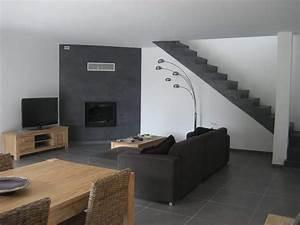 Mur Blanc Et Gris : mur blanc et gris la combinaison pour une peinture lumi re et moderne ~ Preciouscoupons.com Idées de Décoration