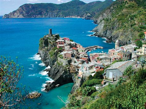 explore italy s cinque terre the colourful cities