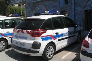 Renault Aix En Provence : photos de voitures de police page 1581 auto titre ~ Medecine-chirurgie-esthetiques.com Avis de Voitures