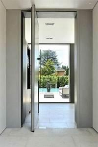 les portes pivotantes manege architectural With porte d entrée alu avec profondeur d un meuble de salle de bain