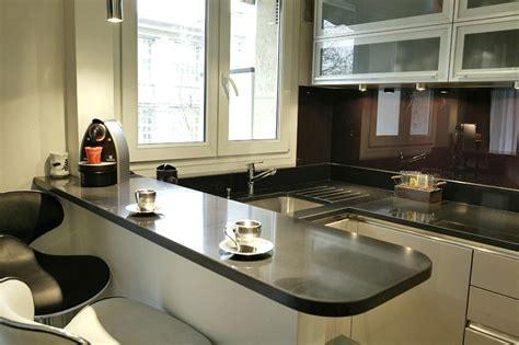 modeles de petites cuisines une cuisine très complète places un and 9