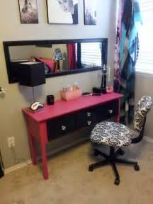 DIY Makeup Table