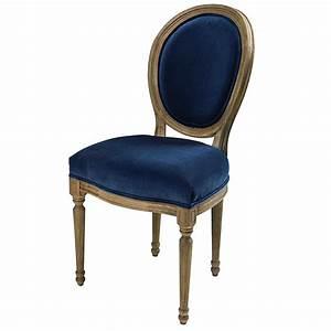 Chaise Velours Bleu : chaise m daillon en velours bleu nuit et ch ne massif maisons du monde ~ Teatrodelosmanantiales.com Idées de Décoration