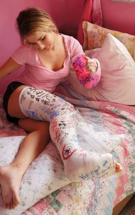 Woman With Llc And Lac On The Bed Leg Cast