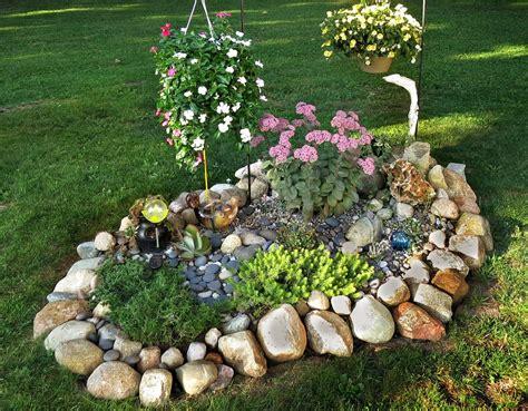 panoramio photo of a small rock garden