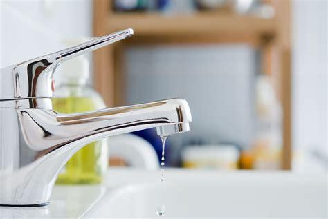 diagnosing faucet leaks