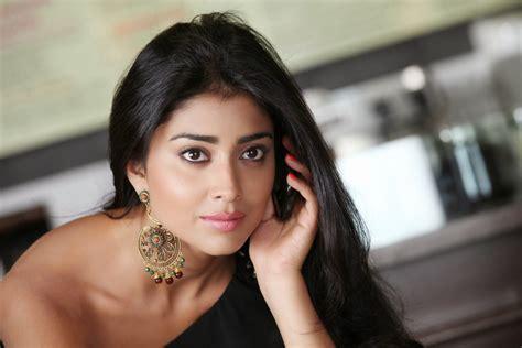 Bollywood hd wallpapers 1080p Shriya Saran HD Wallpapers