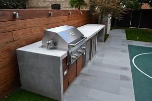 Faire Une Plancha : barbecue fixe fonctionnel et esth tique dans le jardin moderne ~ Nature-et-papiers.com Idées de Décoration