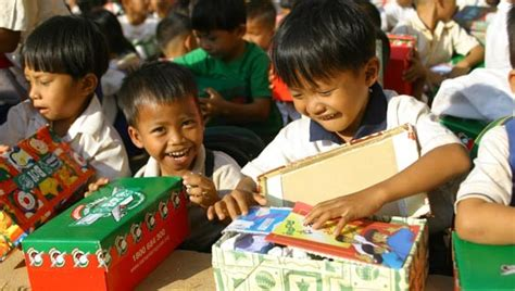 malaysia christmas gifts for children in need acmissionz