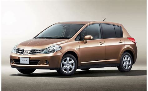 Nissan Tiida:price. Reviews. Specifications.