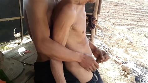 Indonesian Elder And Younger Man Handjobs Free Gay Porn