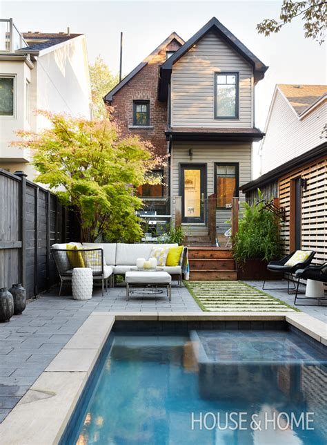 Pools For A Small Backyard by A Small Backyard With California Style The Outdoor