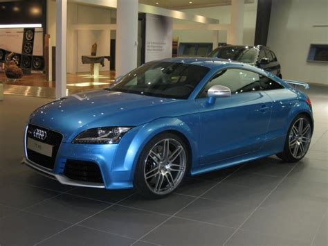 audi tt rs individuallackierung  malibu blue metallic