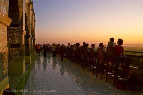 Pictures of Myanmar (Burma) - Mandalay-0022 - watching the ...