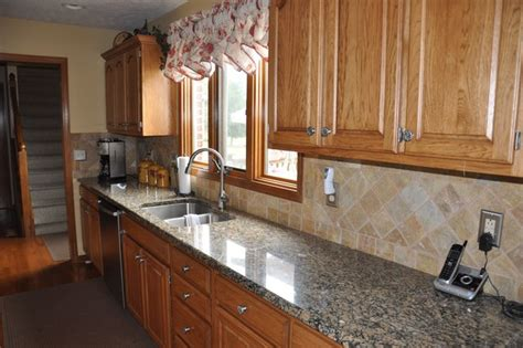 Granite Countertops And Tile Backsplash Ideas-eclectic