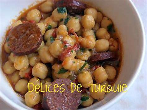 cuisine turque facile recette de pois chiches au sucuk turc ou chorizo