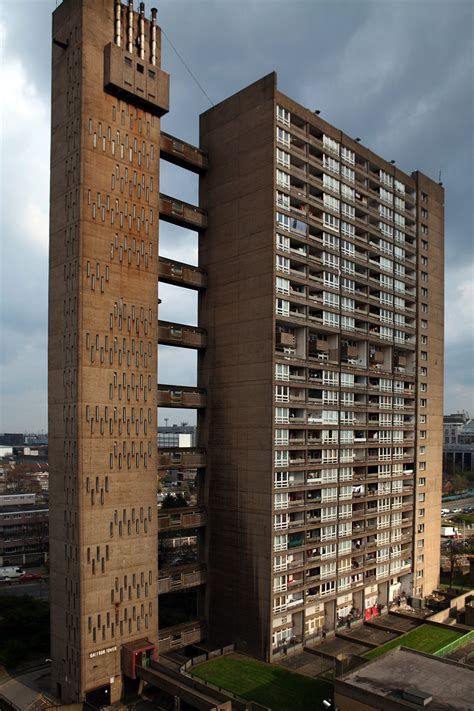 Balfron Tower E14 0qt Designed By Erno Goldfinger 1965