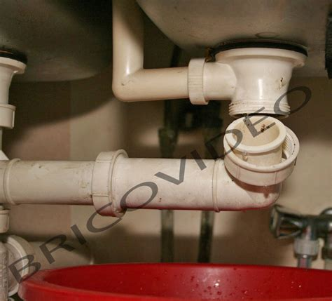 lavabo cuisine bouché déboucher un siphon bouché lavabo ou évier déboucher un