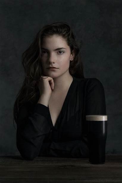 Parker Cinemagraph Elyan Portrait Poses Claire Self