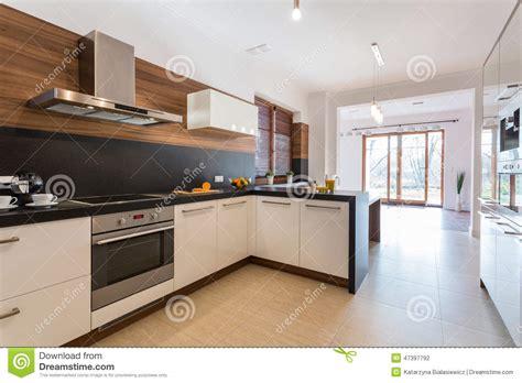 cuisine de a 0 z cuisine ouverte sur la salle à manger photo stock image