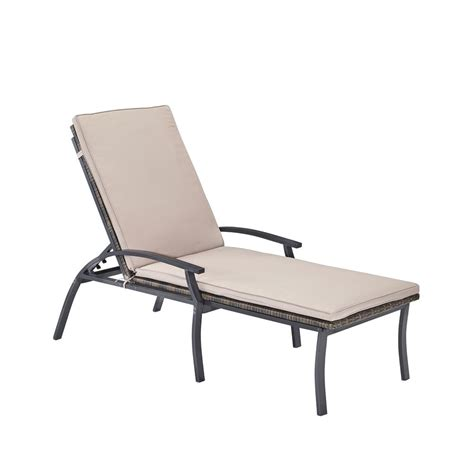 chaise métal home styles laguna black woven vinyl and metal patio