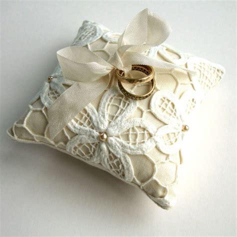 cuscini portafedi matrimonio cuscini portafedi eleganti e in pizzo