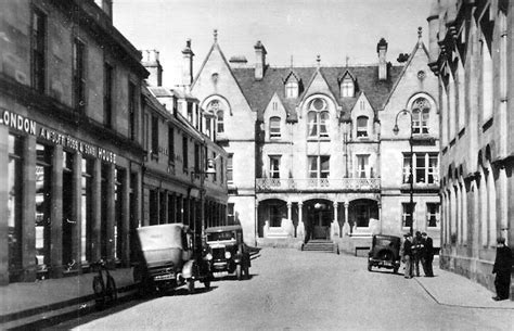 Baile dhubhthaich) is a royal burgh and parish in the county of ross, in the highlands of scotland. Tour Scotland Photographs: Old Photographs Tain Scotland
