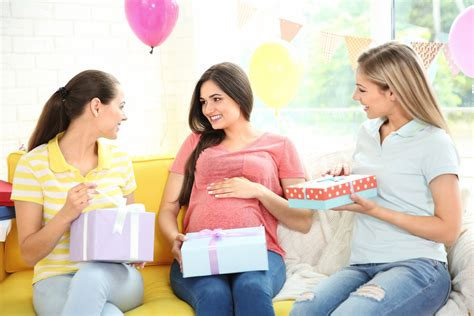 Who doesn't love fun, funny or creative themed gift ideas for expectant parents? Top 10 Best Gift Ideas for Expecting Mothers - Shopping Kim