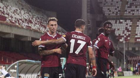 Generally, this means players that have played 100 or more league matches for the club. SALERNITANA: le ultime dall'infermeria, novità su Lombardi