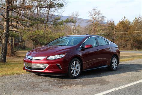plug  electric car sales  canada february  volt