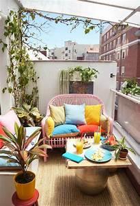 Kleiner Balkon Ideen : h bscher kleiner balkon in sommerlichen farben gelb blau ~ Lizthompson.info Haus und Dekorationen